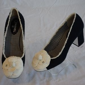 CHANEL Beautiful Black Tweed & White Cap Toe Pumps